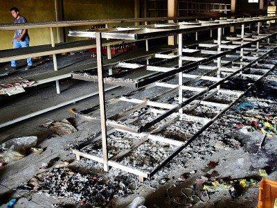 Un supermarché vandalisé à Valencia au Venezuela, le 5 mai 2017 - RONALDO SCHEMIDT [AFP]