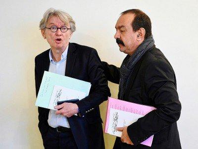 Les leaders syndicaux Jean-Claude Mailly (FO) et Philippe Martinez (CGT) à Paris, le 29 mars 2017    BERTRAND GUAY [AFP/Archives]