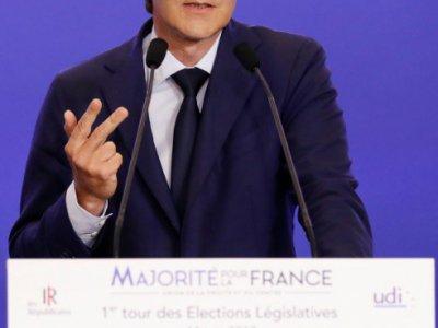 François Baroin, chef de file LR pour les législatives, donne une conférence de presse au siège de LR à Paris, le 11 juin 2016    Patrick KOVARIK [AFP]
