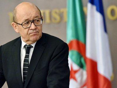 Le chef de la diplomatie française Jean-Yves Le Drian à Alger le 13 juin 2017 - RYAD KRAMDI [AFP/Archives]