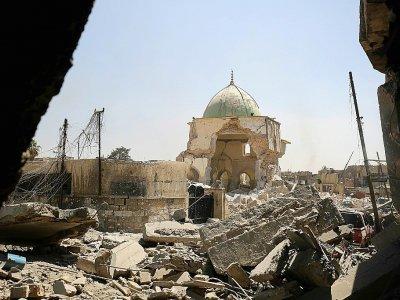 La mosquée Al-Nouri au milieu des décombres, le 29 juin 2017 à Mossoul en Irak - AHMAD AL-RUBAYE [AFP]