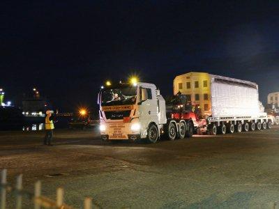 Le convoi exceptionnel a traversé dix communes du Cotentin pour rejoindre le port de Cherbourg.    Célia Caradec