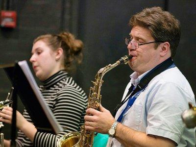 Des musiciens accompagnent les élèves de la Royal Central School of Speech and Drama lors d'une répétition, le 24 février 2017 à West End, le quartier londonien des théâtres et comédies musicales - Daniel LEAL-OLIVAS [AFP]