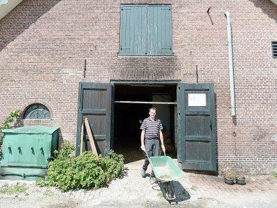 Gerar Hartveld, éleveur laitier, sait que sa ferme sortira du cercle familial faute de repreneur    Charlotte VAN OUWERKERK [AFP]