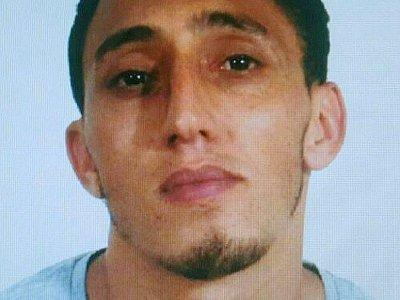 Une photo fournie par la police nationale espagnole le 17 août 2017 montre le marocain Driss Oukabir, suspect dans l'attentat de Barcelone - HO [Spanish National Police/AFP]