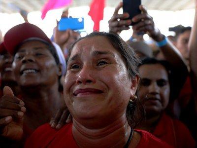 Dans un meeting de l'ancien président du Brésil Luiz Inacio Lula da Silva, soupçonné de corruption mais favori des sondages pour la présidentielle de 2018, à Feira de Sanatana, dans le nord-est pauvre du pays, le 19 août 2017    LUCIO TAVORA [AFP]
