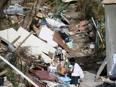 Dans la ville de Marigot dévastée, à Saint-Martin, le 11 septembre 2017 - Martin BUREAU [AFP]
