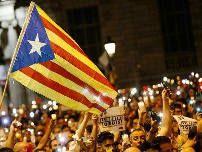 Manifestation à Barcelone le 17 octobre 2017 pour demander la libération de deux responsables indépendantistes    PAU BARRENA [AFP]