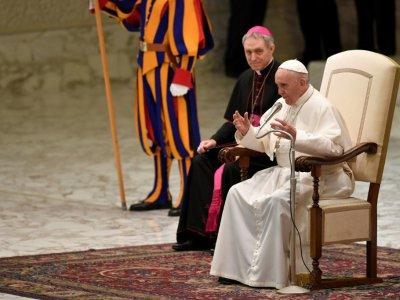 Le pape François adresse ses voeux au personnel du Vatican, le 21 décembre    Andreas SOLARO [AFP]