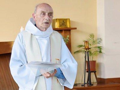 Le père Hamel, assassiné par un islamiste alors qu'il célèbrait la messe, sur une photo obtenue sur le site de Saint-Etienne-du-Rouvray le 26 juillet 2016 - HO [http://ser-ta-paroisse.over-blog.org//AFP]