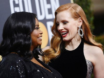 Les actrices Jessica Chastain (D) et Octavia Spencer arrivent aux Golden Globes dimanche 7 janvier de noires vêtues pour dénoncer les violences sexuelles - VALERIE MACON [AFP]