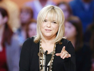 France Gall sur la scène du  grand journal de Canal+ à Paris, le 30 octobre 2012