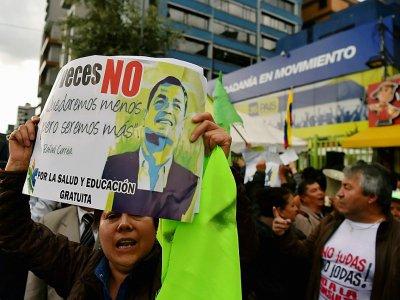 Des partisans de l'ex-président de l'Equateur Rafael Correa manifestent à Quito, le 16 janvier 2018    Rodrigo BUENDIA [AFP]