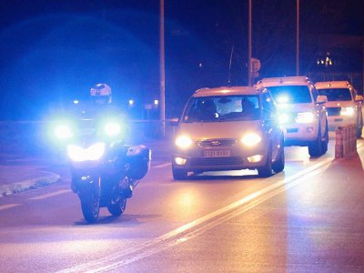Des policiers français escortent le 5 février 2018 le convoi transportant Salah Abdeslam, suspect clé des attentats de Paris, de la maison d'arret de Fleury-Merogis vers le palais de Justice de Bruxelles où il doit etre jugé    Zakaria ABDELKAFI [AFP]