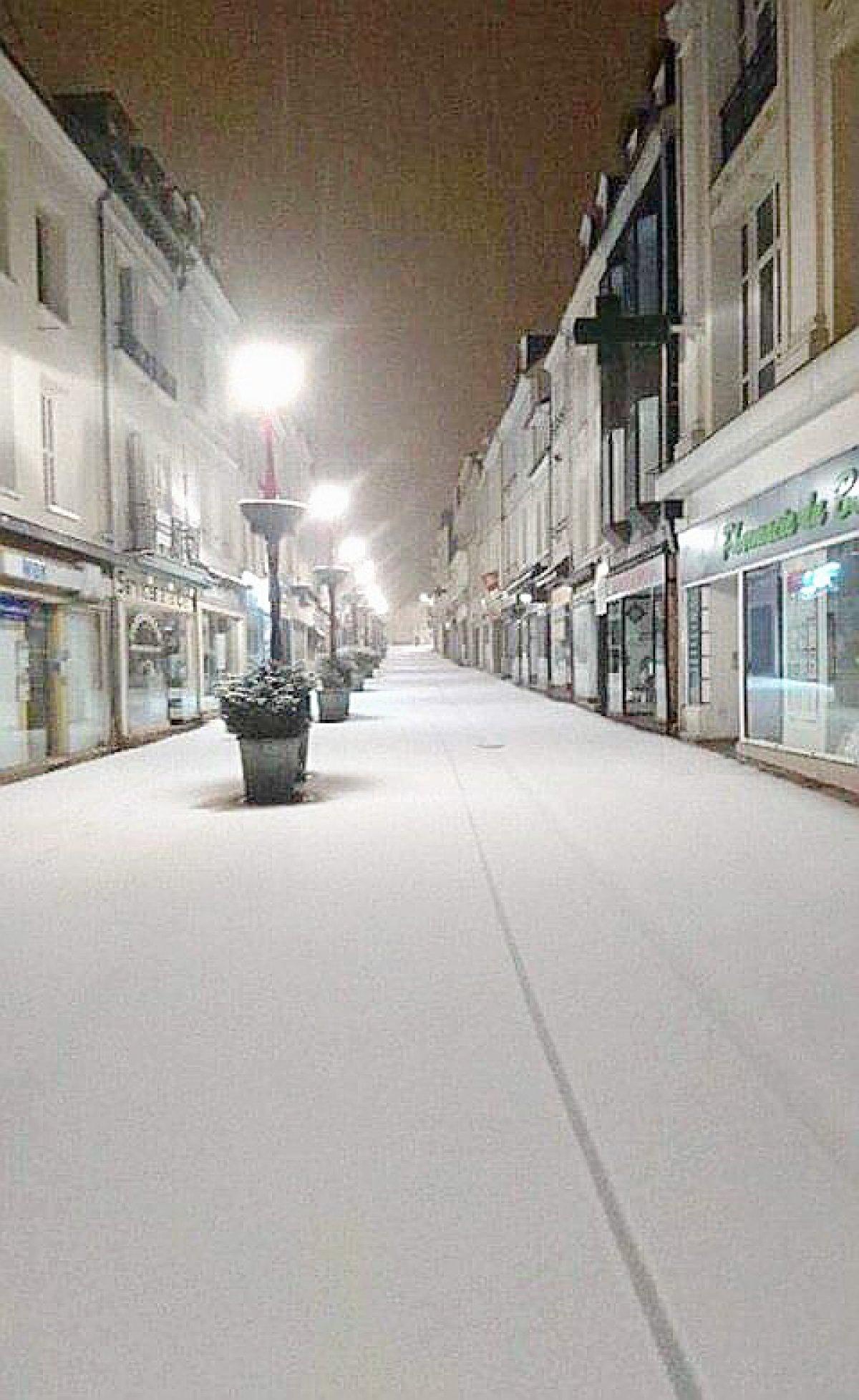 Societe Generale Bolbec se rapportant à neige : un phénomène localisé en seine-maritime [vos photos]