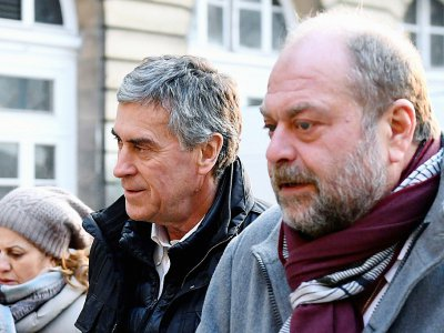 L'ancien ministre du Budget Jérôme Cahuzac (centre) et son avocat Eric Dupond-Moretti (droite) à leur arrivée au palais de Justice de Paris le 21 février 2018    Eric FEFERBERG [AFP]