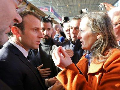 Une femme interpelle le président Emmanuel Macron au salon de l'Agriculture à Paris, le 24 février 2018    ludovic MARIN [POOL/AFP]