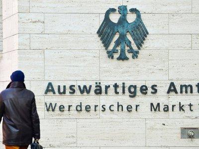 Devant le ministère allemand des Affaires étrangères le 1er mars 2018 à Berlin - John MACDOUGALL [AFP]