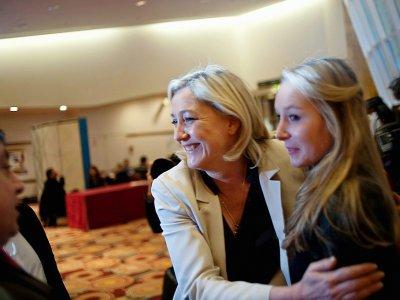 Marine Le Pen et sa nièce Marion Marechal-Le Pen en février 2010 à Paris    FRED DUFOUR [AFP/Archives]