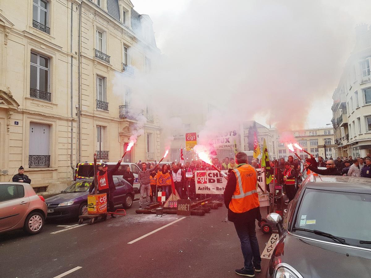 Un député parisien agressé par les occupants de Tolbiac