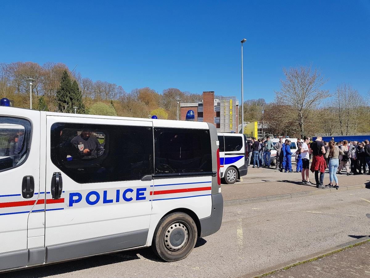 Societe Generale Bolbec se rapportant à seine-maritime : le lycée de bolbec évacué pour une alerte à la bombe