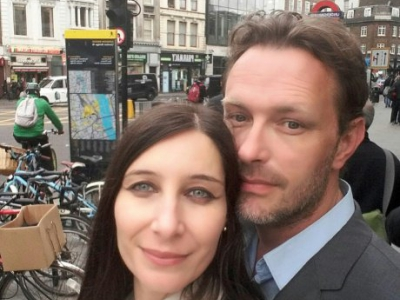 Christine Delcros et son compagnon Xavier Thomas à Borough High Street, près du London Bridge, lors d'une visite de Londres, le 2 juin 2016