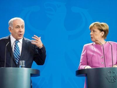 La chancelière allemande Angela Merkel (D) et le Premier ministre israélien Benjamin Netanyahu lors d'une conférence de presse à Berlin le 16 février 2016    ODD ANDERSEN [AFP/Archives]
