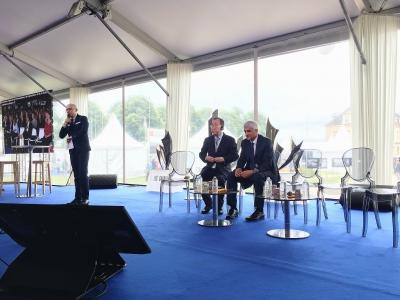 Ban Ki-moon, ancien Secrétaire général des Nations unies était présent aux côtés d'Hervé Morin, président de la région Normandie.    Solenn Boulant
