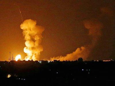 Bombardements israéliens contre la bane de Gaza, à Khan Younès, le 20 juillet 2018 - SAID KHATIB [AFP]