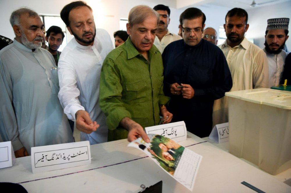 Législatives au pakistan ouverture des bureaux de vote