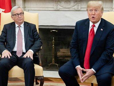 Le président américain Donald Trump, à droite et le président de la Commission européenne, dans le Bureau ovale, le 25 juillet 2018    SAUL LOEB [AFP]