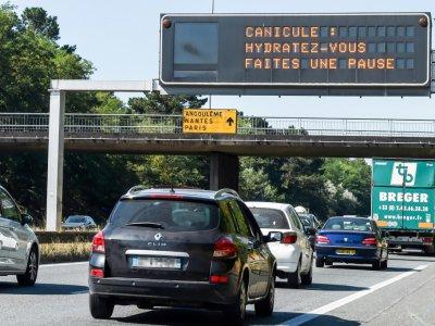 Messages de prudence, le 6 août 2018 sur la rocade à Bordeaux    MEHDI FEDOUACH [AFP]