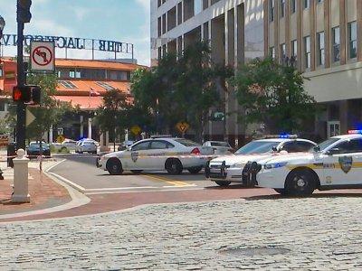 La zone où a eu lieu la fusillade dans un tournoi de jeu vidéo à Jacksonville, en Floride, le 26 août 2018    HO [Courtesy of WJXT/AFP]