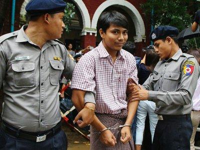 Le journaliste birman Kyaw Soe Oo au tribunal de Rangoun, le 9 juillet 2018    STR [AFP]
