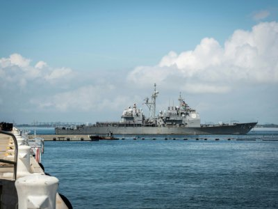 Le destroyer USS Mahan quitte la base navale de Norfolk (Virginie), le 10 septembre 2018