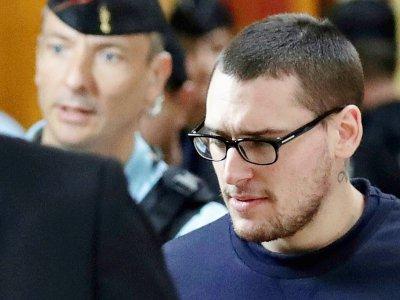 Samuel Dufour (C), un des trois skinheads impliqués dans la mort de Clément Méric, arrive au tribunal, le 4 septembre 2018 à Paris    Thomas SAMSON [AFP]