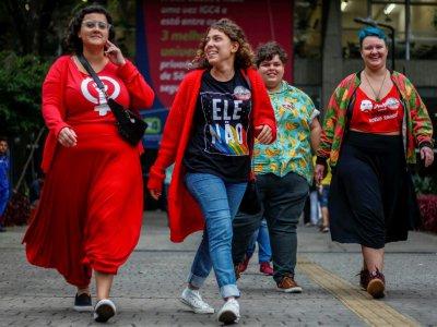 Des femmes manifestent contre le candidat d'extrème droite brésilien Jair Bolsonaro à Sao Paulo le 7 octobre 2018    Miguel SCHINCARIOL [AFP]
