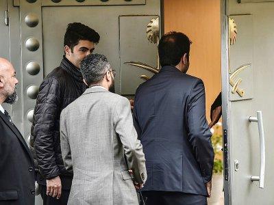 Des responsables saoudiens arrivent au consulat d'Arabie saoudite à Istanbul, le 15 octobre 2018    OZAN KOSE [AFP]