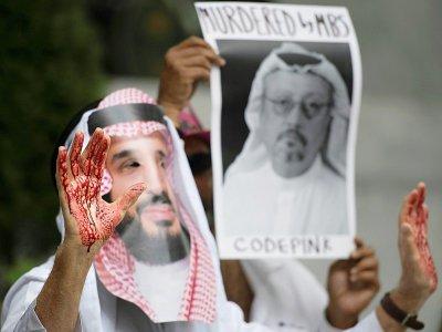 Manifestation contre la disparition du journaliste saoudien Jamal Khashoggi devant l'ambassade saoudienne, le 8 octobre 2018 à Washington    Jim WATSON [AFP]