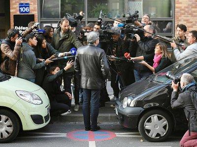 Jean-Luc Mélenchon devant les locaux de la police anticorruption (Oclciff) à Nanterre, avant son audition,  jeudi 18 octobre 2018    Lionel BONAVENTURE [AFP]