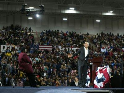 Barack Obama le 2 novembre 2018 à Atlanta, en Géorgie, en soutien à la candidate démocrate Stacey Abrams (g)    Jessica McGowan [Getty/AFP/Archives]