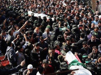 Funérailles le 12 novembre 2018, à Khan Younès, de trois des 7 Palestiniens tués lors d'une opération nocturne des forces spéciales israéliennes dans la bande de Gaza - MAHMUD HAMS [AFP]