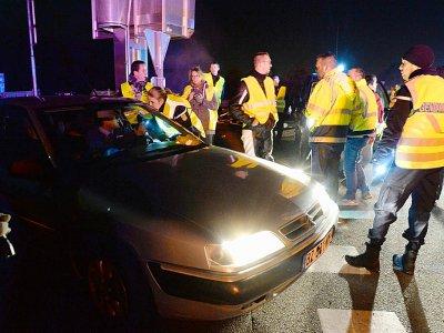 Action de gilets jaunes sur l'autoroute A11 près du Mans, le 18 novembre 2018 - Jean-François MONIER [AFP]
