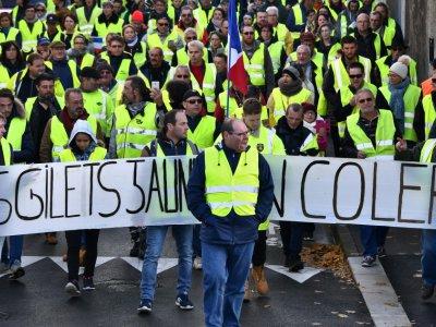 """Manifestation de """"gilets jaunes"""", à Rochefort (Charente-Maritime) le 24 novembre 2018    XAVIER LEOTY [AFP]"""