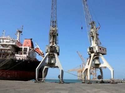 Une photo prise le 22 novembre 2018 montre une vue partielle du port de la ville de Hodeida, principal front du conflit au Yémen entre pouvoir et rebelles    STR [AFP]
