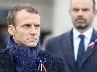 Emmanuel Macron et son Premier ministre Edouard Philippe, lors de la cérémonie à l'Arc de Triomphe, à Paris  le 11 novembre 2018    ludovic MARIN [POOL/AFP/Archives]