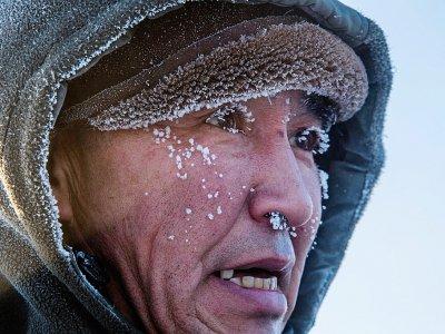 Un villageois d'Oï en Iakoutie (Sibérie), les cils gelés par la température de -41°C, le 27 novembre 2018    Mladen ANTONOV [AFP]