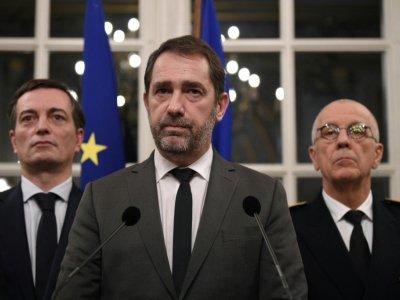 Christophe Castaner entouré du maire adjoint de Strasbourg Alain Fontanel (g) et du préfet Jean-Luc Marx, lors d'une conférence de presse à la préfecture de Strasbourg, le 13 décembre 2018 - PATRICK HERTZOG [AFP]