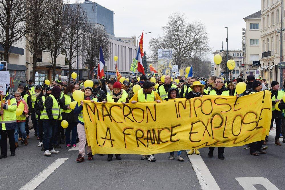 Gilets jaunes : 50 000 manifestants et parfois des heurts violents