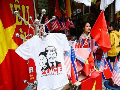 T-shirts représentant Donald Trump et Kim Jong Un en vente dans les rues de Hanoï - Ye Aung THU [AFP]